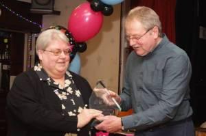 Elaine Barnes receives award